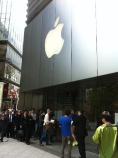【iPad2】4月28日発売日のMacストアにて